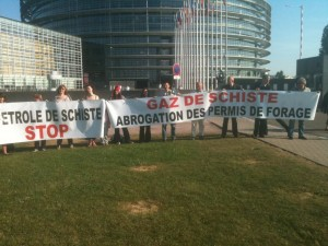 Unkonvetionelle Gasförderung - Demo vor dem Europäischen Parlament