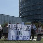 Demonstrierende gegen unkonventionelle Gasförderung vor dem EU Parlament in Strassburg
