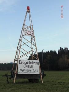 Bürger errichten Protest-Bohrturm am Langbürgner See
