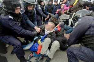 Auflösung einer Sitzblockade in Pungesti, 7.12.2013