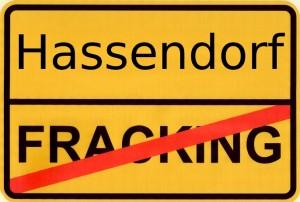 Kein Fracking in Hassendorf  (Grafik: Carin Schomann @bohrplatz.org)