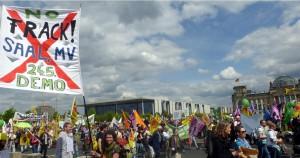 Auf der Energiewende-Demo am 10. Mai in Berlin begann die Mobilisierung für die Saaler Demo