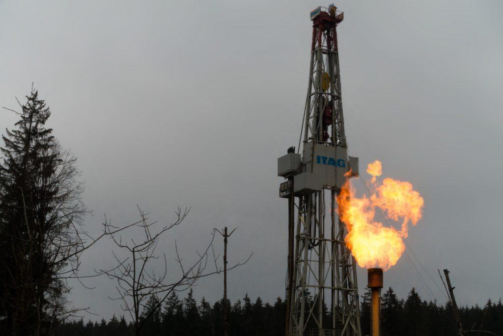 Bericht zum Januar 2021 Bohrtürme im Einsatz für die Öl- und Erdgasförderung in Nordamerika